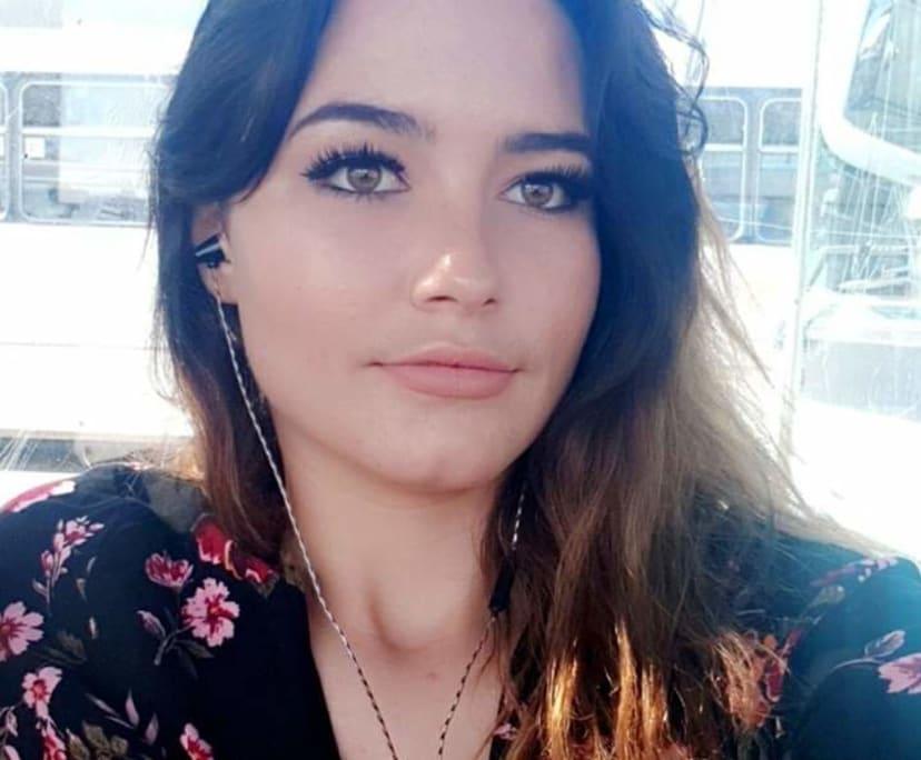 Courtney (23), $500,
