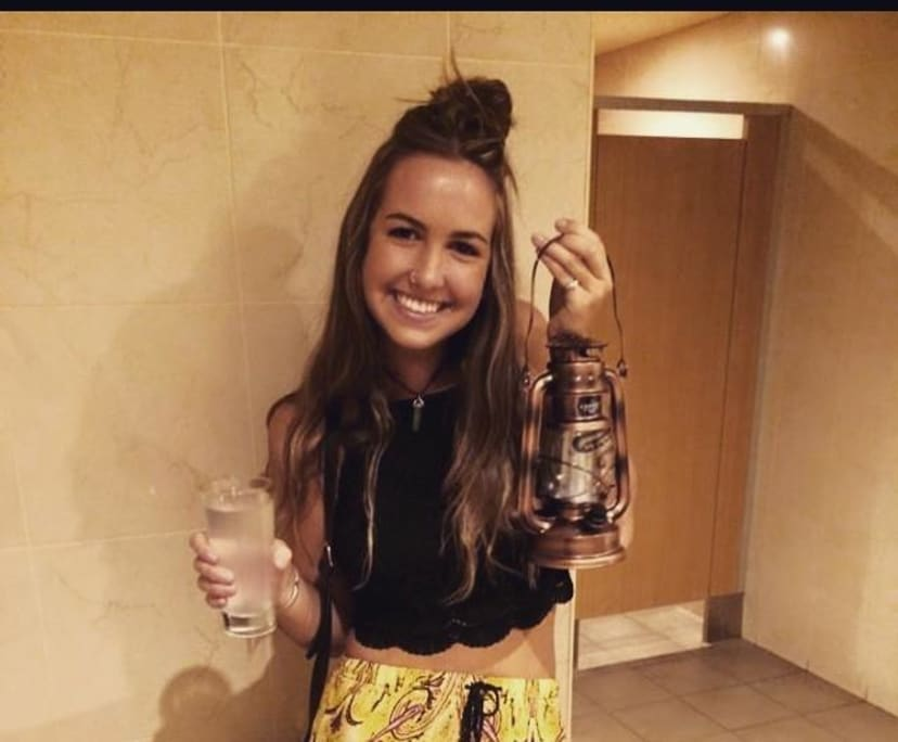 Leah (25), $200, Non-smoker, No pets, and No children