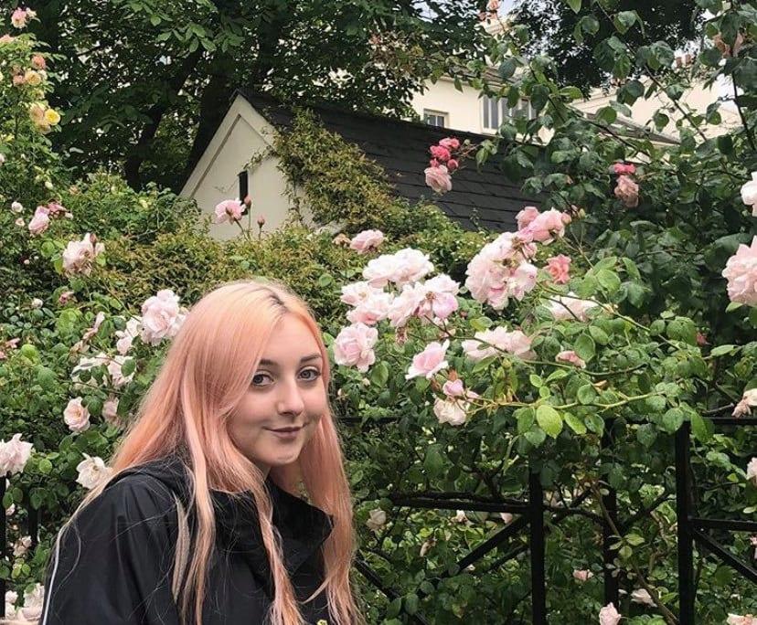 Paigey (22), $300, Non-smoker, No pets, No children, and LGBT+