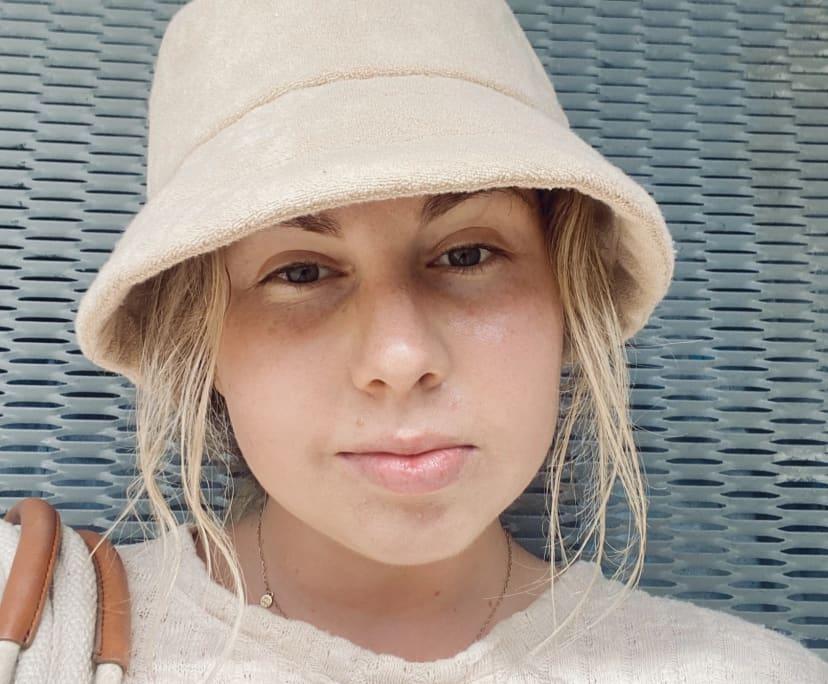 Emma (21), $230,