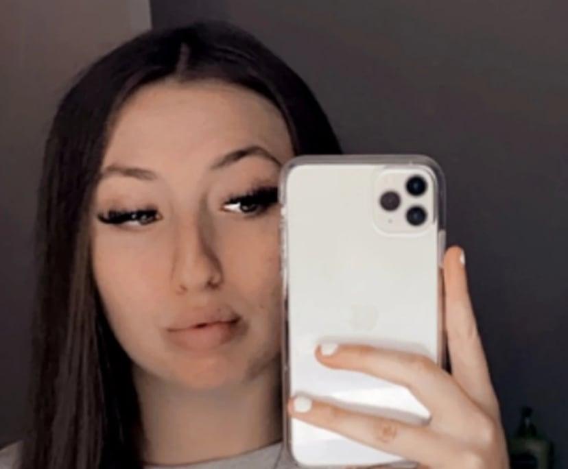 Vesna (19), $100, Smoker, No pets, and No children