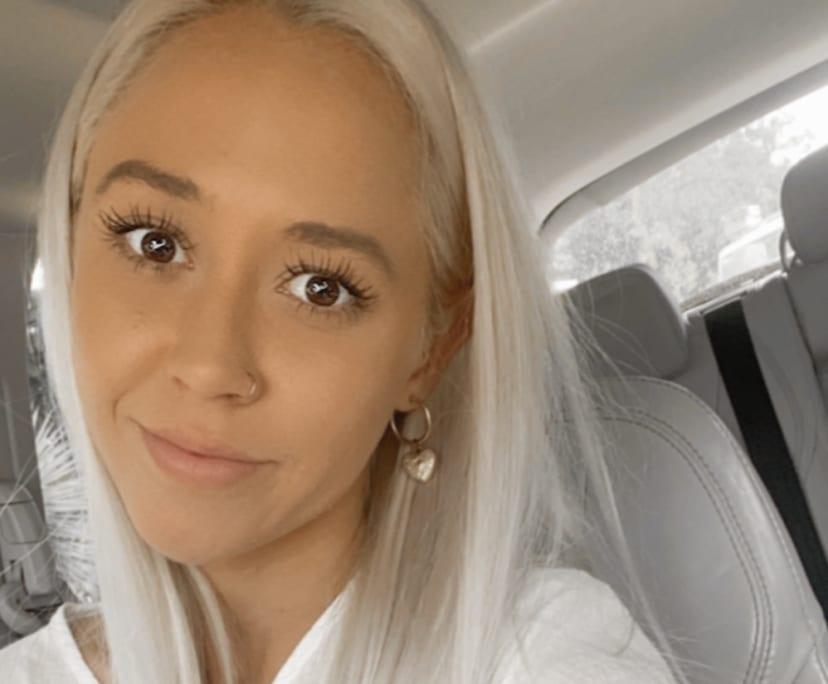 Elise (26), $200, Smoker, No pets, No children, and LGBT+