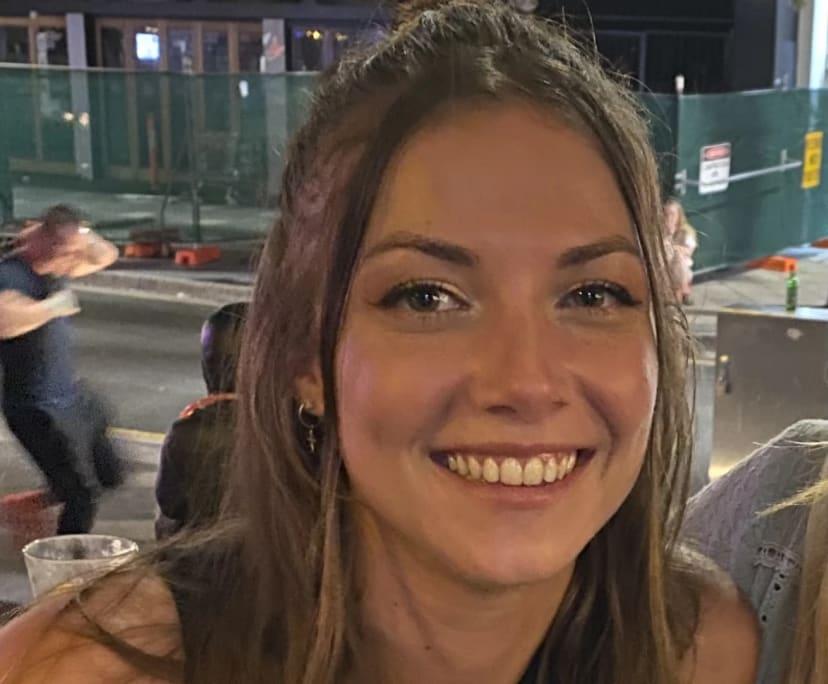 Elise (25), $200,