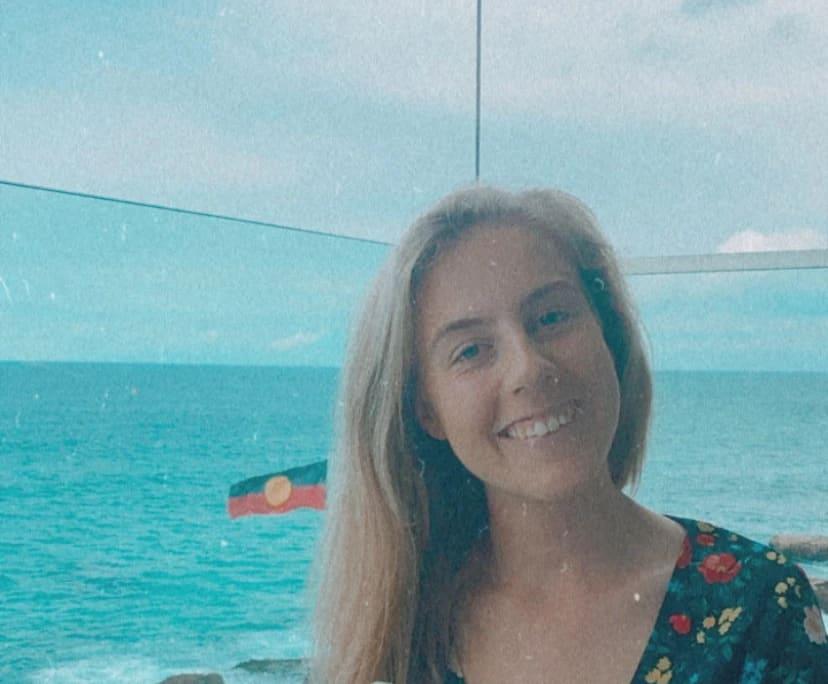 Isla (21), $350, Non-smoker, No pets, and No children