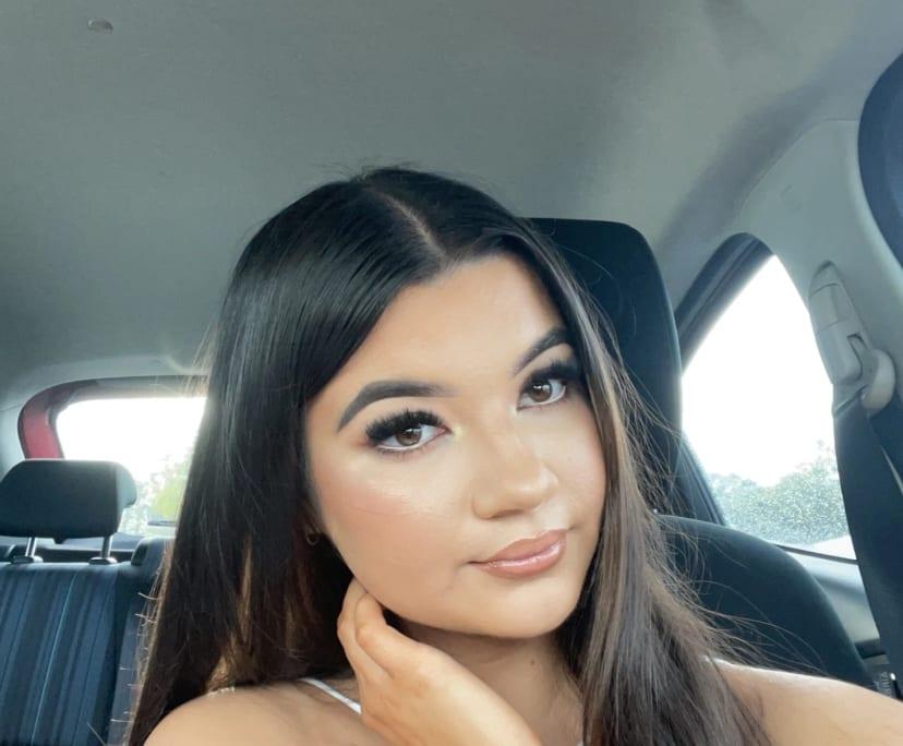 Mia (19), $250,