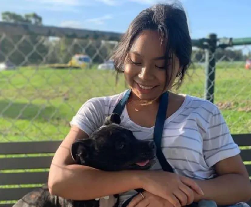 Sophia (21), $250, Non-smoker, Have pets, and No children