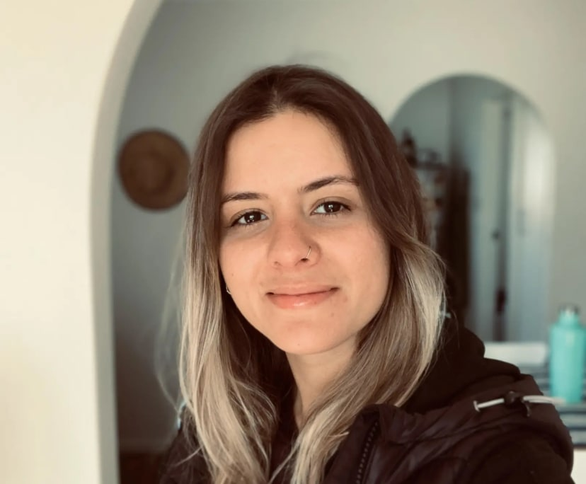 Gabriela (32), $200, Non-smoker, LGBT+, No pets, and No children