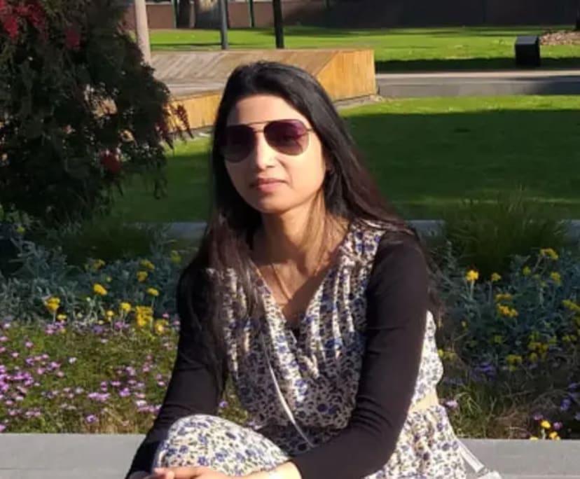 Vidhi (32), $250, No pets, No children, and Non-smoker
