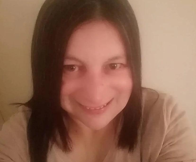 Christine (47), $200, Non-smoker, No pets, and No children