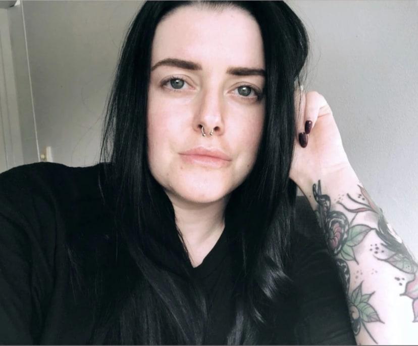 Sarah (30), $200, Non-smoker, No pets, No children, and LGBT+
