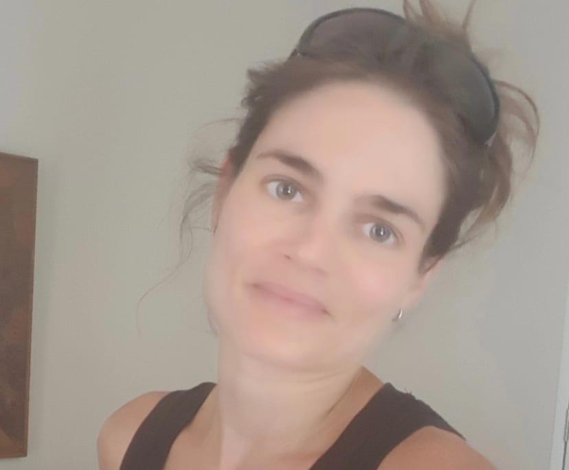 Kat (42), $250,