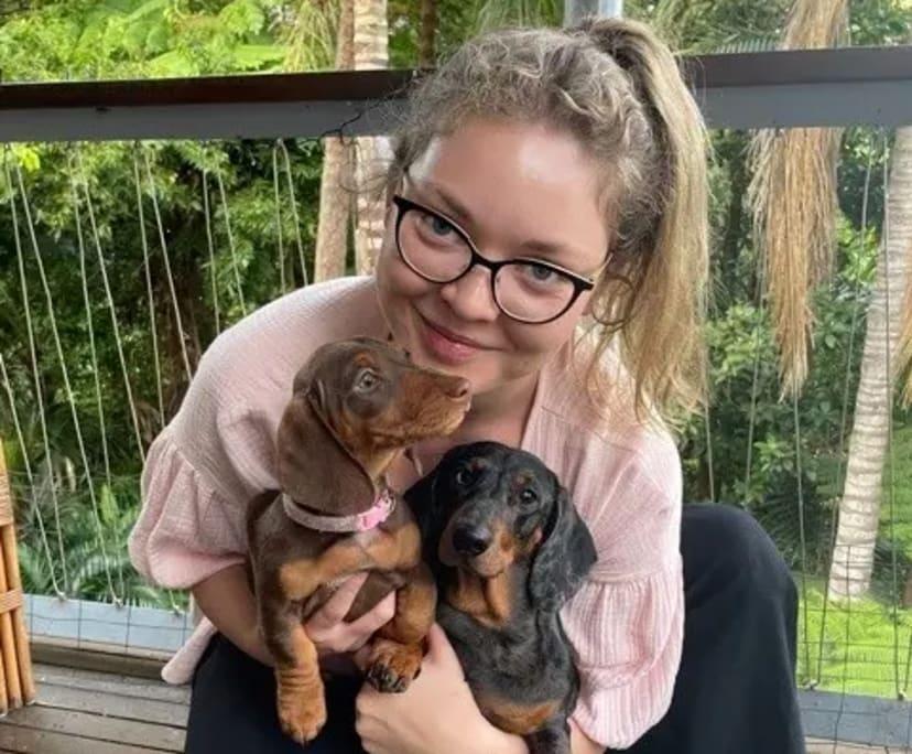 Freya (27), $400, Non-smoker, Have pets, and No children