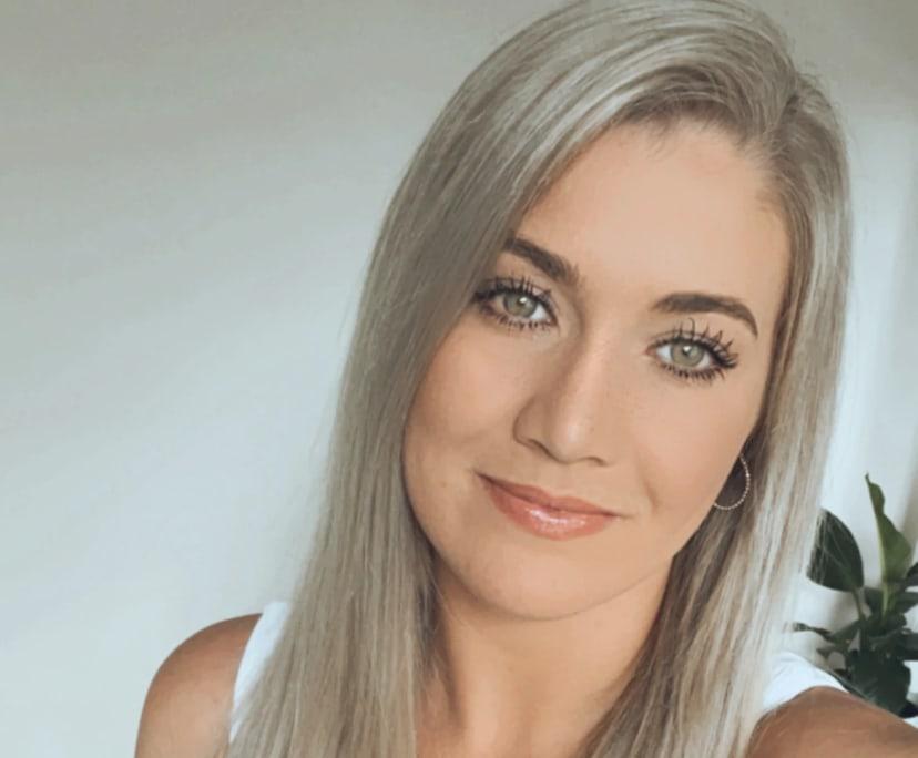 Leighanna (28), $300,