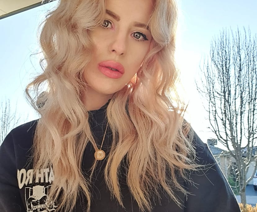 Krystal (30), $400, Non-smoker, No pets, and No children