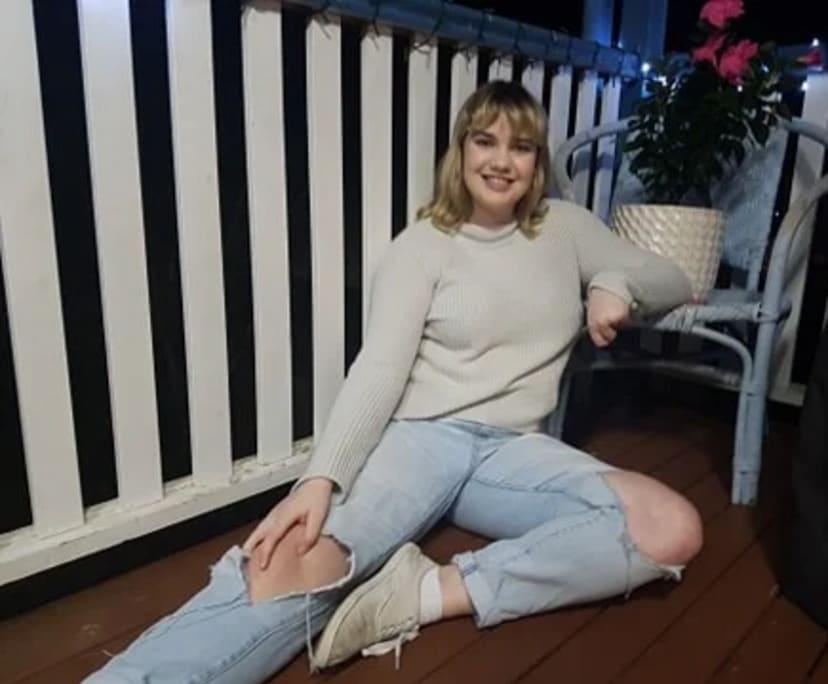 Jess (21), $250, Non-smoker, No pets, No children, and LGBT+