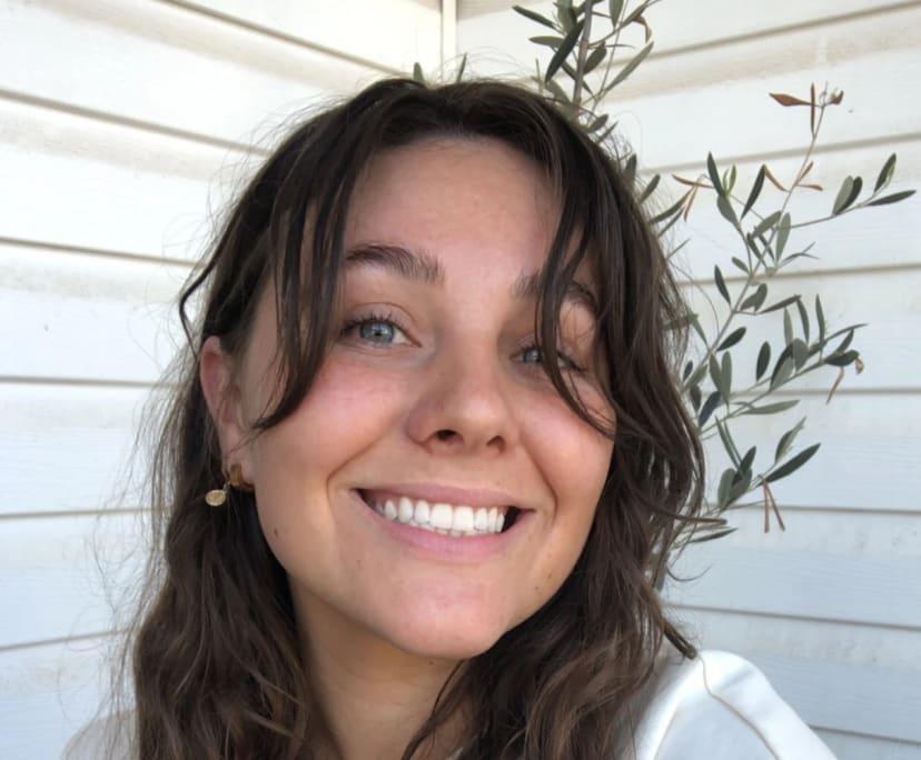 Sophie (25), $200,