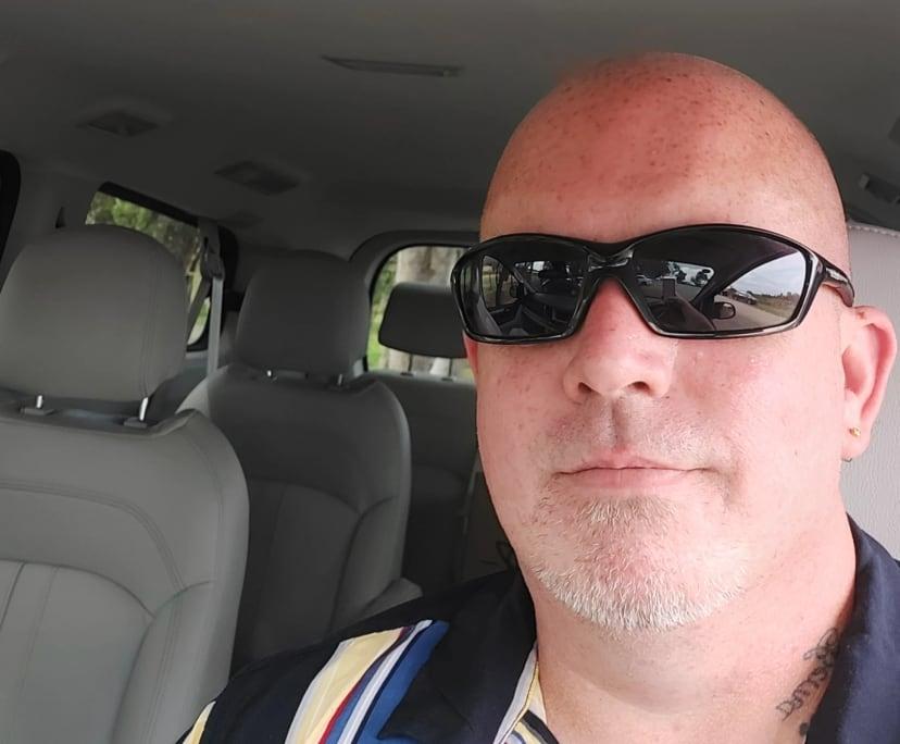 Robert (43), $500,