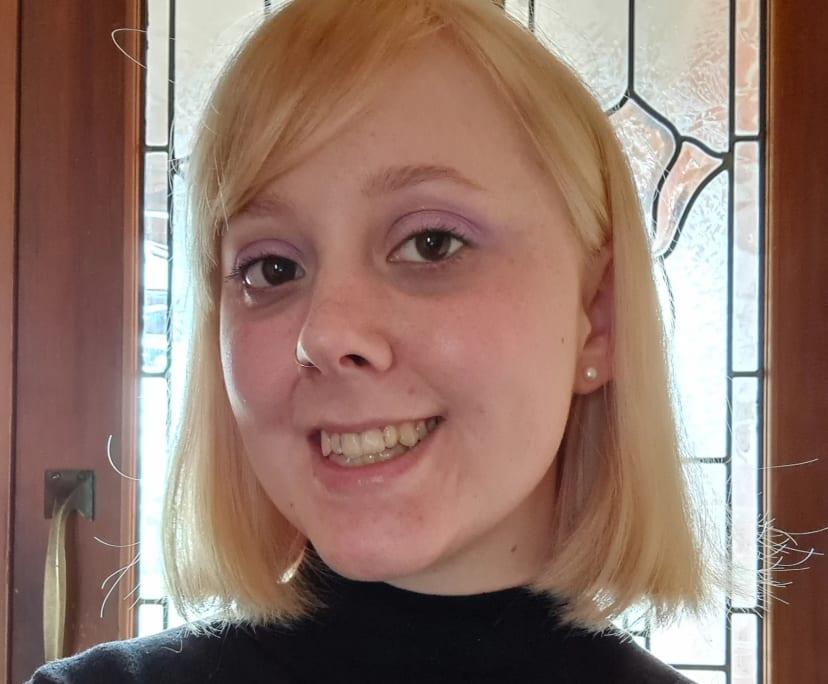 Lauren (24), $300,