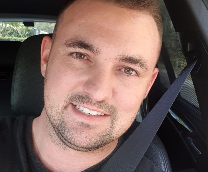 Chris (35), $400,
