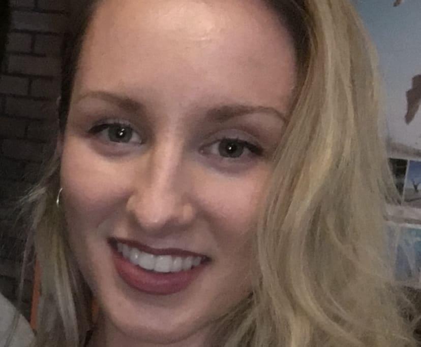 Lydia (26), $200,