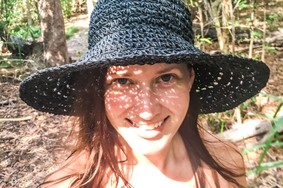 Rebecca (33), $180, Non-smoker, No pets, and No children