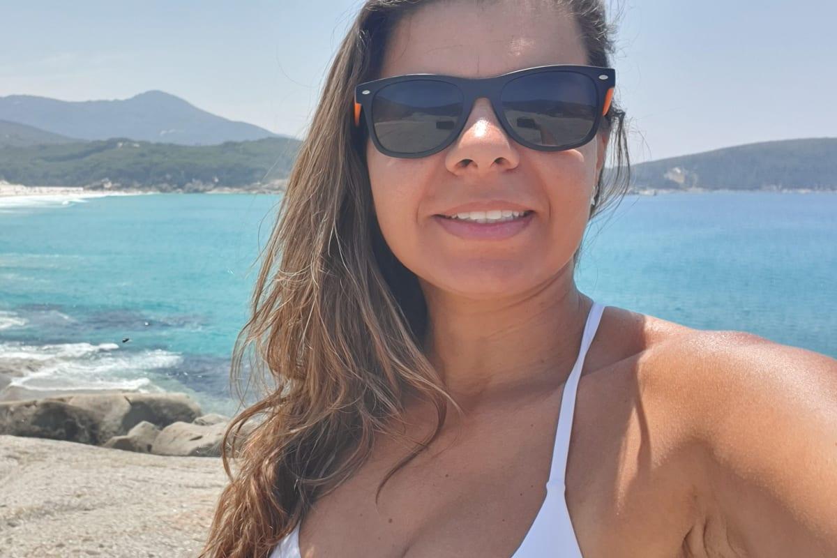Danielle (38), $160,