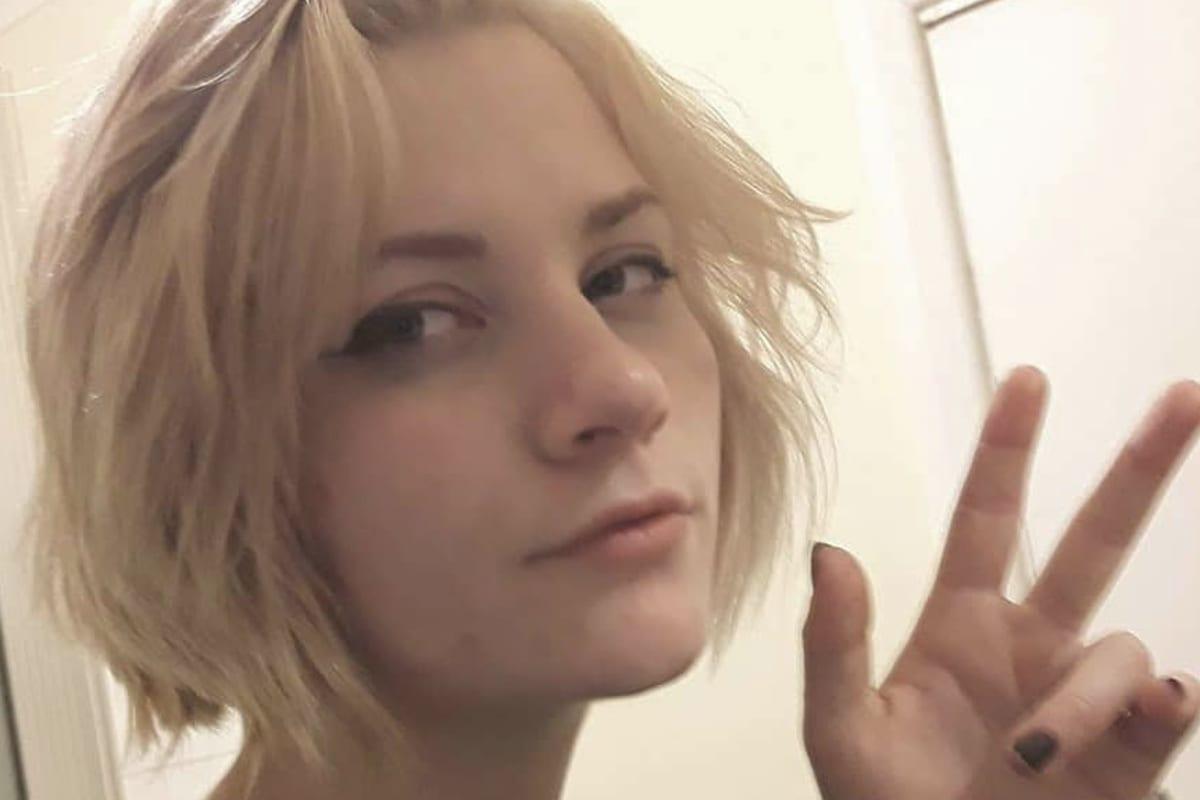 Nadia (21), $150, Non-smoker, No pets, No children, and LGBT+
