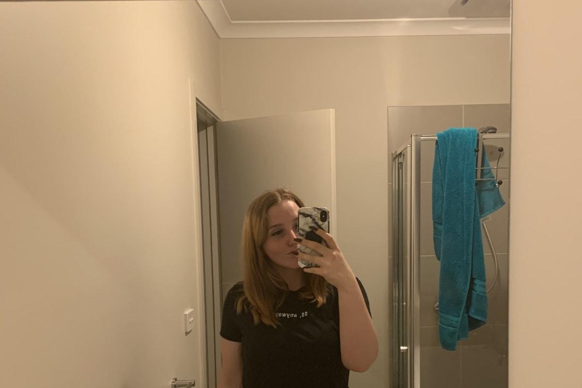 Natalie (22), $250, Non-smoker, No pets, and No children