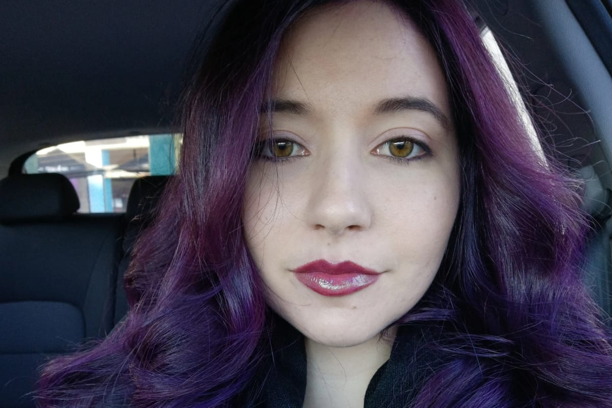 Olivia (23), $250, Non-smoker, No pets, No children, and LGBT+