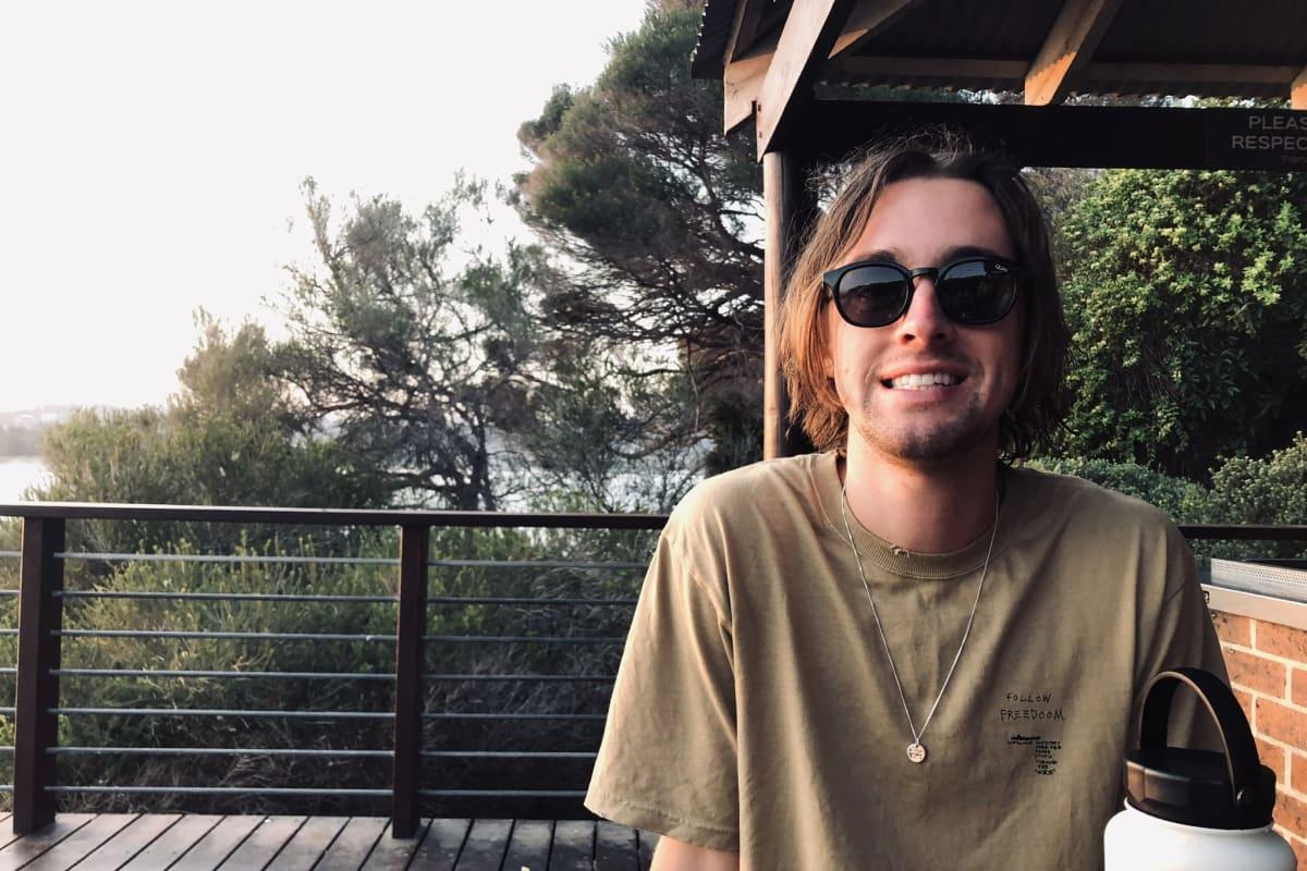 Liam (21), $200,