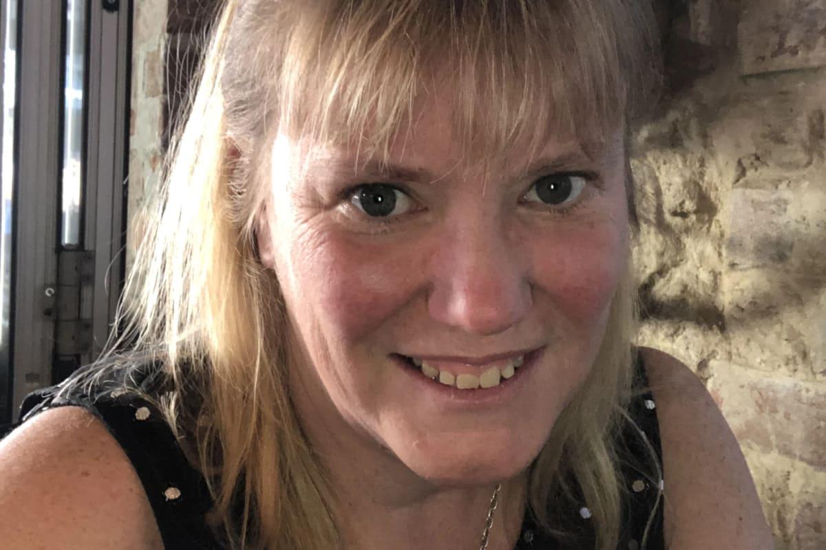 Sarah (45), $200,