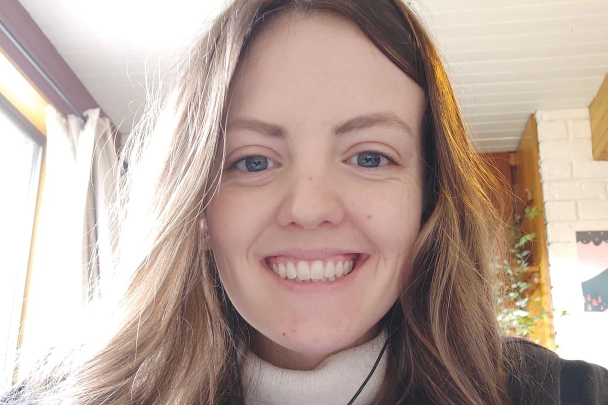 Emily (22), $200,