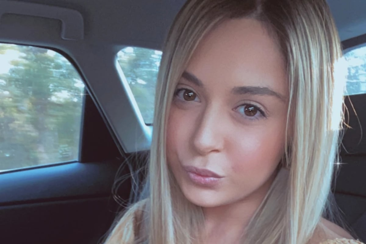 Sarah (23), $250,