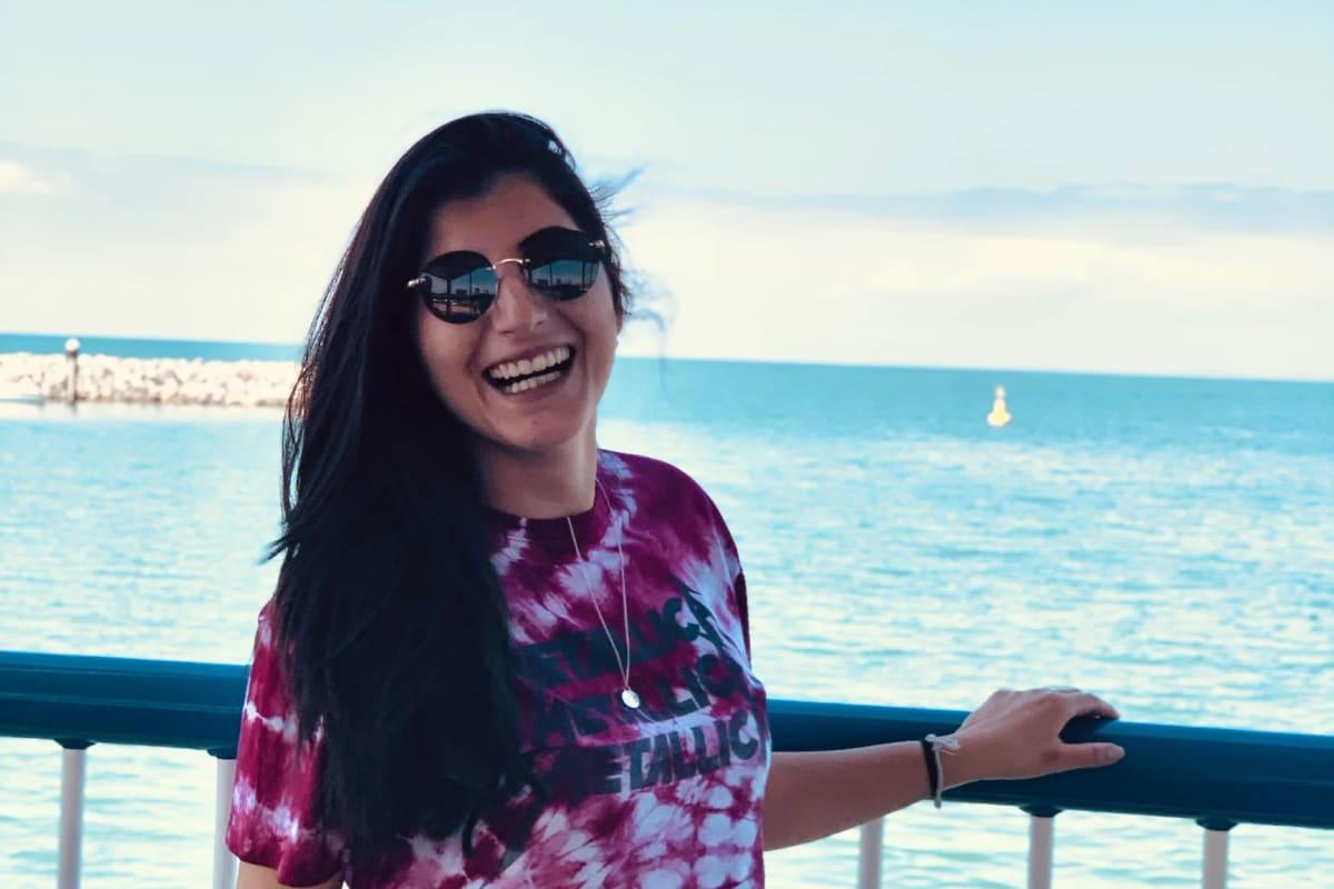Andreza (28), $230, Non-smoker, No pets, and No children