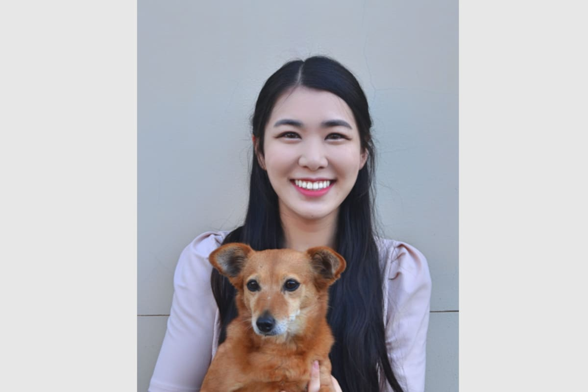 Elizabeth (24), $200, Non-smoker, Have pets, and No children