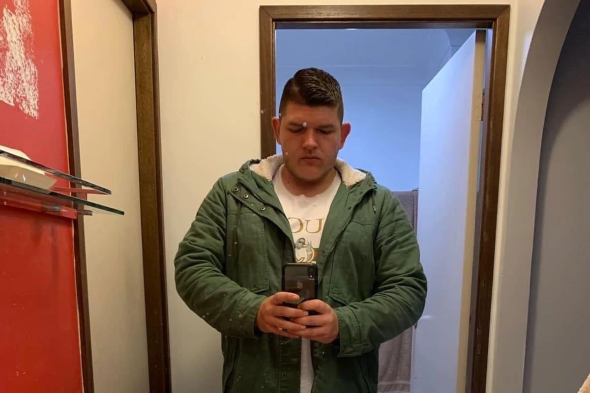 Zac (23), $300,