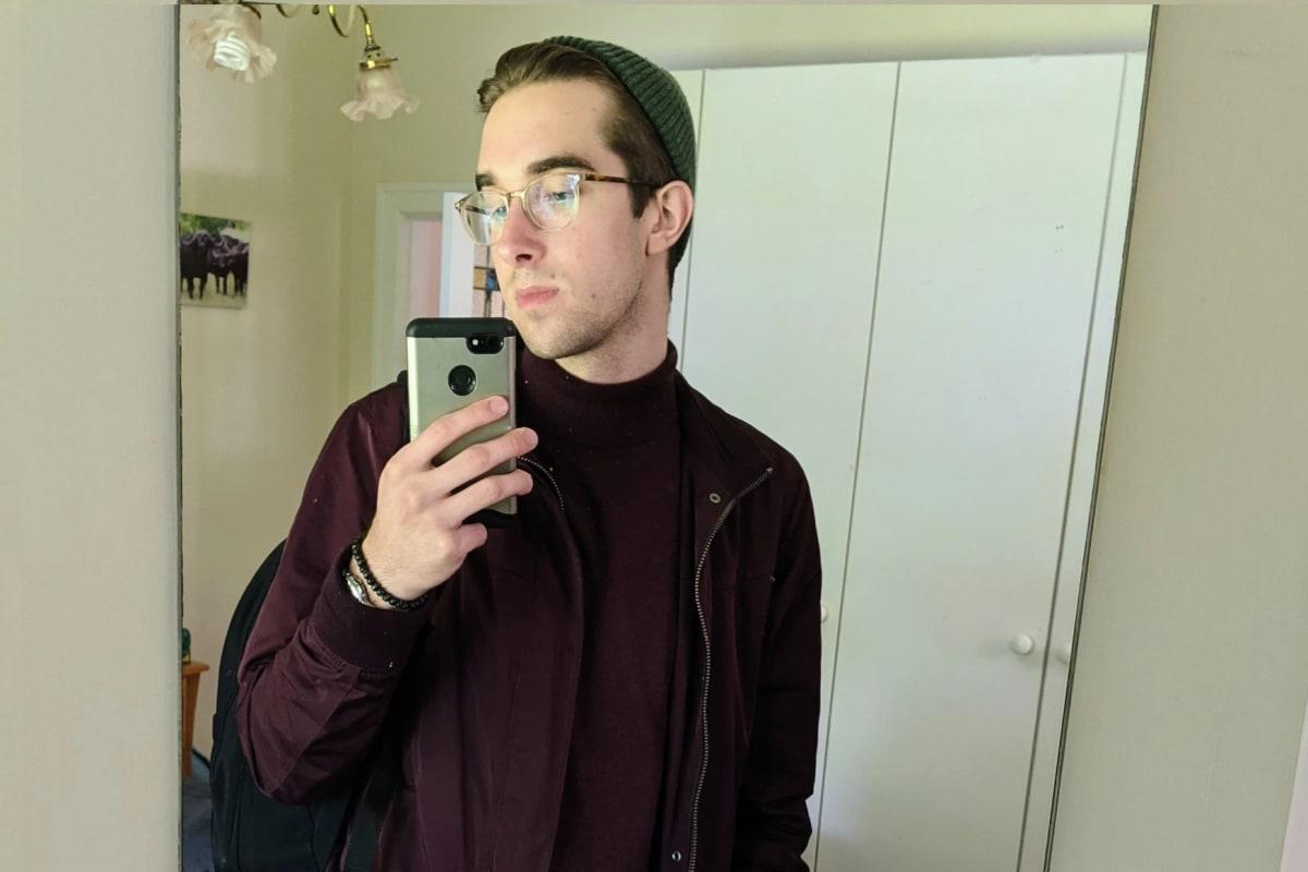 Stephen (25), $300, Non-smoker, No pets, No children, and LGBT+