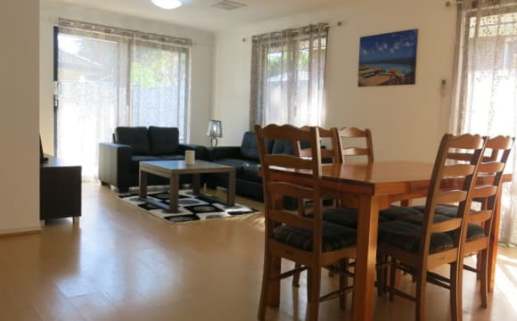Whole property with 6 rooms for rent