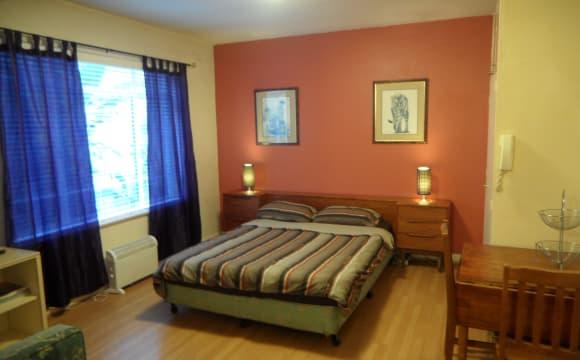 Furnished room studio flat for rent