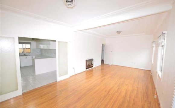 Whole property with 5 rooms for rent