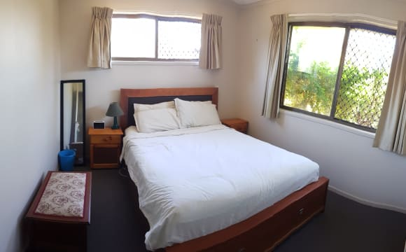 Room in a share house
