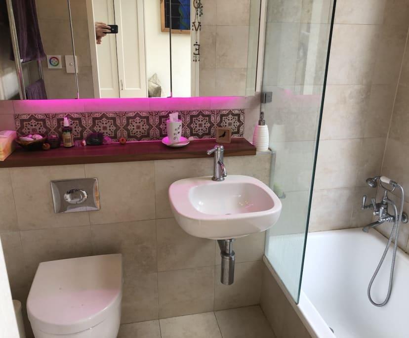 $280, Share-house, 2 bathrooms, Lennox Street, Newtown NSW 2042