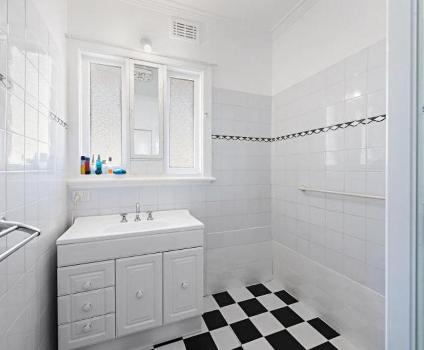 $215, Share-house, 3 bathrooms, Reservoir VIC 3073