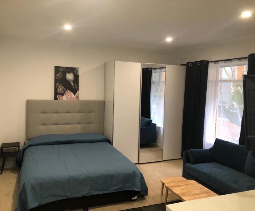 $350, Studio, 1 bathroom, Waterloo Crescent, St Kilda VIC 3182