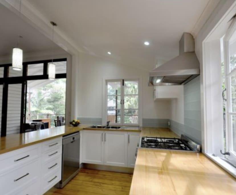 $215, Share-house, 3 bathrooms, Toowong QLD 4066