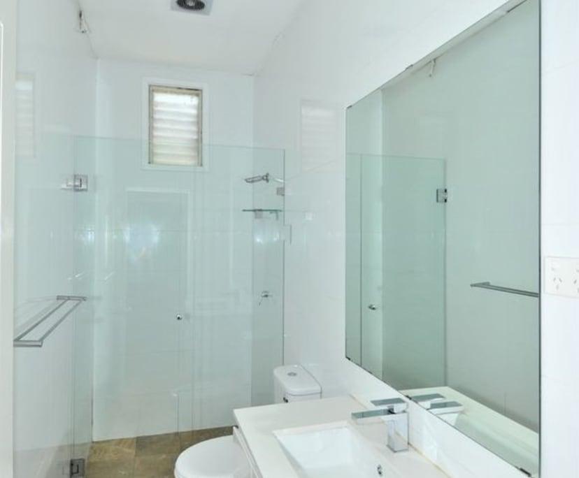 $300, Share-house, 6 bathrooms, Albert Avenue, Chatswood NSW 2067