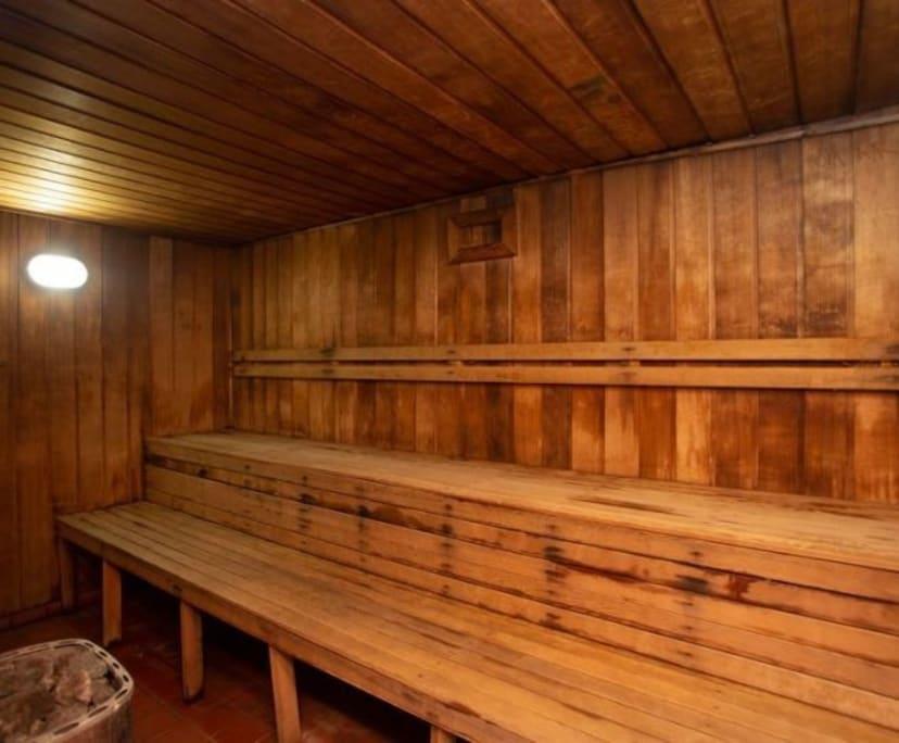 $125, Flatshare, 3 bathrooms, Riverview Parade, Surfers Paradise QLD 4217