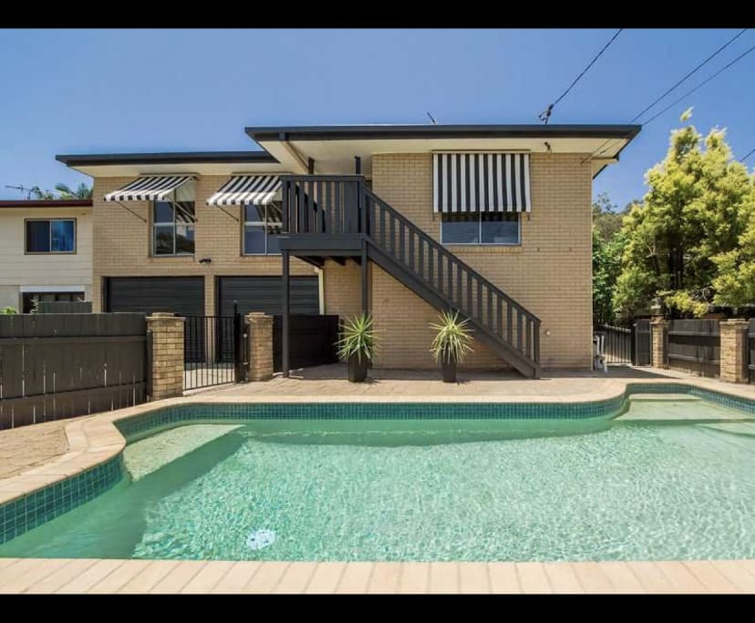 $250, Student-accommodation, 4 bathrooms, West Burleigh Road, Burleigh Heads QLD 4220