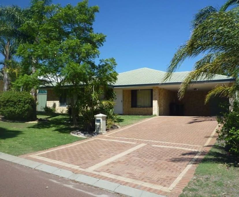 $120, Share-house, 4 bathrooms, Lakeridge Drive, Cockburn Central WA 6164