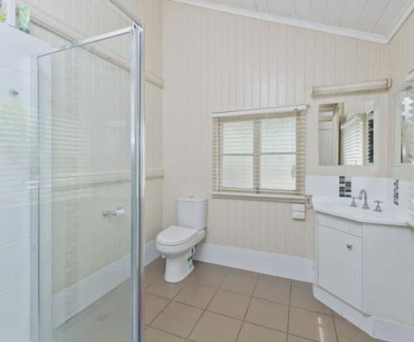 $165, Student-accommodation, 6 bathrooms, Kelvin Grove Road, Kelvin Grove QLD 4059